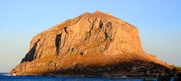 Ο βράχος ιστορικού Monemvasia, Πελοπόννησος, Ελλάδα Στοκ φωτογραφίες με δικαίωμα ελεύθερης χρήσης