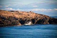 Ο βράχος συναντά το νερό Στοκ Εικόνες