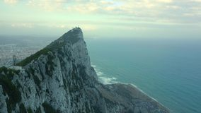 Ο βράχος του Γιβραλτάρ και της θάλασσας κατωτέρω φιλμ μικρού μήκους
