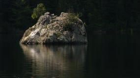 Ο βράχος Στοκ εικόνα με δικαίωμα ελεύθερης χρήσης