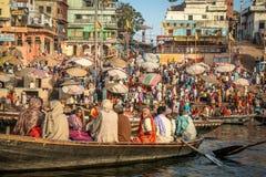 Ο Γάγκης στην ανατολή στο Varanasi Στοκ Φωτογραφίες