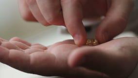 Ο γάμος εκμετάλλευσης νεόνυμφων τους χτυπά υπό εξέταση και αγγίζει απόθεμα βίντεο