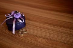 Ο γάμος χτυπά την εξάρτηση Στοκ φωτογραφίες με δικαίωμα ελεύθερης χρήσης