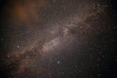 Ο γαλακτώδης τρόπος είναι ο γαλαξίας μας Αυτή η μακριά αστρονομική φωτογραφία έκθεσης του νεφελώματος Στοκ Φωτογραφίες