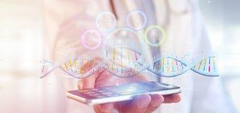 Ο γιατρός που κρατά έναν τρισδιάστατο δίνει το DNA Στοκ Φωτογραφίες