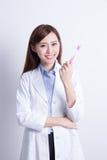 Ο γιατρός σας διδάσκει τα δόντια βουρτσών Στοκ φωτογραφία με δικαίωμα ελεύθερης χρήσης