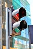 Ο για τους πεζούς σηματοφόρος λάμπει κόκκινο διανυσματικό λευκό παραλλαγών κυκλοφορίας ανασκόπησης απομονωμένο απεικόνιση ανοιχτό στοκ φωτογραφία με δικαίωμα ελεύθερης χρήσης