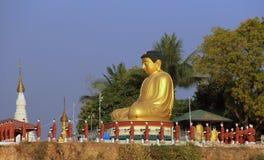 Ο γιγαντιαίοι Βούδας - Sagaing στοκ εικόνες με δικαίωμα ελεύθερης χρήσης