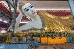 Ο γιγαντιαίος ξαπλώνοντας Βούδας σε Yangon Στοκ φωτογραφία με δικαίωμα ελεύθερης χρήσης