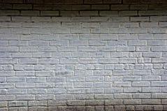 Ο γκρίζος τοίχος ενός ιδιωτικού σπιτιού φιαγμένου από τούβλα Στοκ Εικόνες