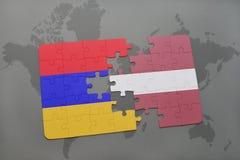 ο γρίφος με τη εθνική σημαία της Αρμενίας και η Λετονία σε έναν κόσμο χαρτογραφούν το υπόβαθρο Στοκ φωτογραφίες με δικαίωμα ελεύθερης χρήσης