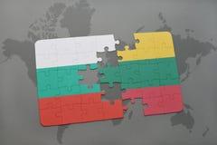 ο γρίφος με τη εθνική σημαία της Βουλγαρίας και η Λιθουανία σε έναν κόσμο χαρτογραφούν το υπόβαθρο Στοκ Εικόνες