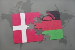 ο γρίφος με τη εθνική σημαία της Δανίας και το Μαλάουι σε έναν κόσμο χαρτογραφούν το υπόβαθρο ελεύθερη απεικόνιση δικαιώματος