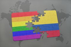 ο γρίφος με τη εθνική σημαία της Κολομβίας και η ομοφυλοφιλική σημαία ουράνιων τόξων σε έναν κόσμο χαρτογραφούν το υπόβαθρο Στοκ φωτογραφίες με δικαίωμα ελεύθερης χρήσης
