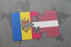 ο γρίφος με τη εθνική σημαία της Μολδαβίας και η Λετονία σε έναν κόσμο χαρτογραφούν το υπόβαθρο Στοκ Εικόνες