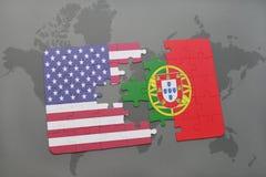 ο γρίφος με τη εθνική σημαία των Ηνωμένων Πολιτειών της Αμερικής και η Πορτογαλία σε έναν κόσμο χαρτογραφούν το υπόβαθρο Στοκ Εικόνα