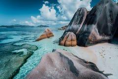 """Ο γρανίτης λικνίζει τους λίθους στην παραλία πιό γνωστού Anse δ """"Argent πηγής στο Λα Digue νησιών στις Σεϋχέλλες Εξωτικός παράδει στοκ φωτογραφία με δικαίωμα ελεύθερης χρήσης"""