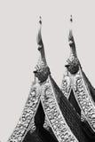 Ο γραπτός της ταϊλανδικής ανακούφισης Καλών Τεχνών στη στέγη του τ Στοκ Φωτογραφία