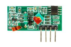 Ο δέκτης του ψηφιακού σήματος τύπωσε τον πίνακα κυκλωμάτων με το σύνολο ηλεκτρονικών συστατικών που απομονώθηκε στο άσπρο υπόβαθρ στοκ φωτογραφία με δικαίωμα ελεύθερης χρήσης
