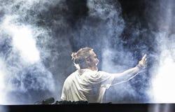 Ο Δαβίδ Guetta κάνει ένα selfie στη συναυλία Στοκ φωτογραφία με δικαίωμα ελεύθερης χρήσης