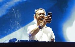 Ο Δαβίδ Guetta κάνει ένα selfie στη συναυλία Στοκ Φωτογραφία