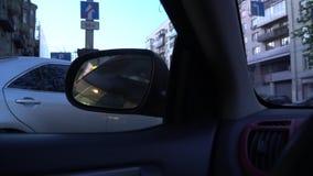 Ο δευτερεύων καθρέφτης οδηγών είναι αυτόματη πτυχή ή χειρωνακτικός έλεγχος για το σύγχρονο αυτοκίνητο απόθεμα βίντεο