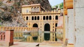Ο διάσημος ναός Galtaji στο Jaipur απόθεμα βίντεο