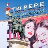 Ο διάσημος πίνακας διαφημίσεων Tio Pepe Puerta del Sol στη Μαδρίτη Στοκ φωτογραφίες με δικαίωμα ελεύθερης χρήσης