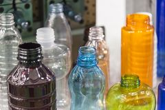 Ο διάφορος τύπος πλαστικού προϊόντος μπουκαλιών στοκ φωτογραφίες