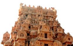 Ο διακοσμητικός πύργος απομόνωσε το άσπρο υπόβαθρο στον αρχαίο ναό Brihadisvara σε Thanjavur, Ινδία στοκ φωτογραφία με δικαίωμα ελεύθερης χρήσης