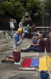 Ο διαμαρτυρόμενος λέει ότι προσεηθείτε πριν από να συμμετάσχει κάλεσε σε περίπτωση τη μητέρα όλων των διαμαρτυριών στη Βενεζουέλα Στοκ Εικόνες