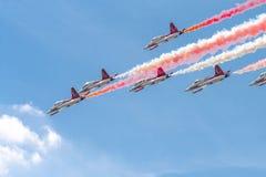 Ο διεθνής αέρας του Βουκουρεστι'ου παρουσιάζει ΔΙΑΓΩΝΙΩΣ, τουρκική επίδειξη ομάδων Πολεμικής Αεροπορίας αστεριών στοκ εικόνα με δικαίωμα ελεύθερης χρήσης