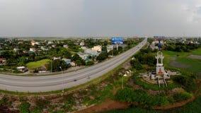Ο δρόμος που συνδέει τις δύο τράπεζες της επαρχίας στοκ φωτογραφίες