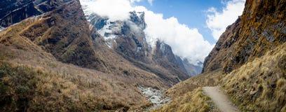 Ο δρόμος στα βουνά της σειράς Annapurna, Νεπάλ Ιμαλάια Στοκ φωτογραφίες με δικαίωμα ελεύθερης χρήσης