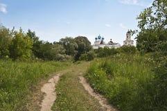 Ο δρόμος στο ναό Στοκ Εικόνες