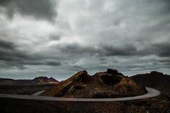 Ο δρόμος aroun ένας λόφος Στοκ Εικόνες