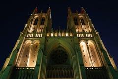 Ο εθνικός καθεδρικός ναός τη νύχτα, στην Ουάσιγκτον, συνεχές ρεύμα Στοκ Φωτογραφία