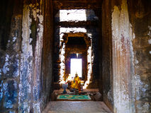Ο ειρηνικός Βούδας στο ναό Στοκ Εικόνες