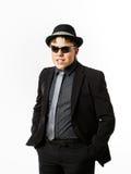 Ο εκφραστικός έφηβος έντυσε στο κοστούμι Στοκ εικόνα με δικαίωμα ελεύθερης χρήσης