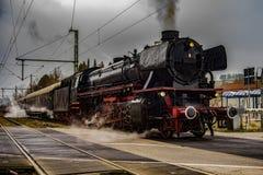 Ο εκλεκτής ποιότητας μαύρος ατμός τροφοδότησε το τραίνο σιδηροδρόμων Στοκ Εικόνες