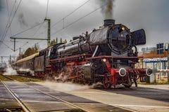 Ο εκλεκτής ποιότητας μαύρος ατμός τροφοδότησε το τραίνο σιδηροδρόμων Στοκ εικόνα με δικαίωμα ελεύθερης χρήσης