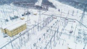 Ο ενισχυτικός πύργος θέτει τον ηλεκτρικό εξοπλισμό στο κρύο καιρό απόθεμα βίντεο