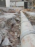 Ο εξοπλισμός και τα εργαλεία λειτουργούν στο εργοτάξιο οικοδομής Στοκ φωτογραφία με δικαίωμα ελεύθερης χρήσης