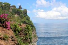 Ο εξωτικός ναός στον απότομο βράχο, Pura Luhur Uluwatu Ποιο stunn στοκ φωτογραφία με δικαίωμα ελεύθερης χρήσης