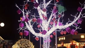 Ο εορτασμός ανάβει το δέντρο φιλμ μικρού μήκους