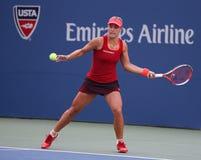 Ο επαγγελματικός τενίστας Angelique Kerber της Γερμανίας στη δράση κατά τη διάρκεια των ΗΠΑ ανοίγει το 2015 Στοκ Εικόνες