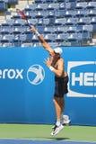 Ο επαγγελματικός τενίστας John Isner Ηνωμένες πρακτική για τις ΗΠΑ ανοίγει το 2015 Στοκ φωτογραφίες με δικαίωμα ελεύθερης χρήσης