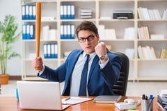Ο 0 επιθετικός επιχειρηματίας στο γραφείο Στοκ Εικόνες