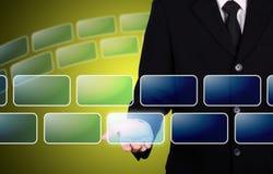 ο επιχειρηματίας δίνει την κενή στιγμή κουμπιών Στοκ εικόνες με δικαίωμα ελεύθερης χρήσης