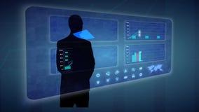 Ο επιχειρηματίας κάνει μια οικονομική ανάλυση στις οικονομικές γραφικές παραστάσεις εμπορικών συναλλαγών οθονών αφής απεικόνιση αποθεμάτων